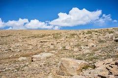 Gebirgstal im Bereich der Alai-Strecke Stockbild