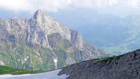 Gebirgswanderer im Alpstein-Gebirgsmassiv Lizenzfreie Stockbilder