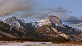 Gebirgszug in Jasper National Park Stockfotografie