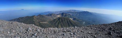 Gebirgszug-Panorama stockfoto