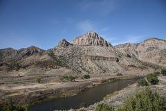 Gebirgszug und Fluss- Wyoming Stockbilder