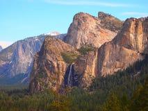 Gebirgszug in Yosemite Stockfotografie