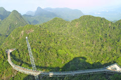 Gebogen brug op Langkawi Eiland, Maleisië Stock Afbeelding