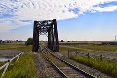 Gebogene Bahnbrücke Stockfotografie