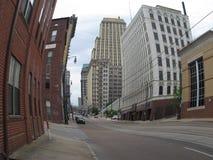 Gebogene Gebäude stockfotos