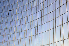 Gebogene Glasfassade Stockfotografie