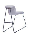 Gebogener weißer Stuhl mit den Metallbeinen lokalisiert auf Weiß Lizenzfreies Stockbild