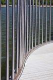 Gebogenes Stahlgeländer Stockbild