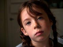 Gebohrtes kleines Mädchen Stockfoto