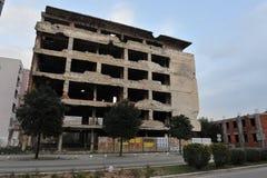 Gebombardeerde en Kogelsporen op voorgevels van gebouwen, de oorlog van Bosnië, Februari ` 13 Royalty-vrije Stock Foto