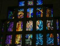 Geboorte van Christusscène - gebrandschilderd glas Stock Foto