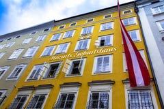 Geboorteplaats van de beroemde componist Wolfgang Amadeus Mozart in Salzburg, Oostenrijk Stock Foto's