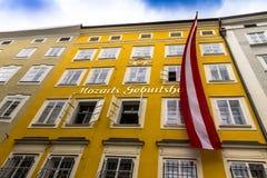 Geboorteplaats van de beroemde componist Wolfgang Amadeus Mozart in Salzburg, Oostenrijk Stock Afbeelding