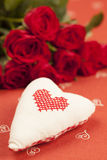 Geborduurde hart en rozen Royalty-vrije Stock Afbeeldingen