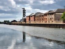 Gebouwen bij de Kaden die van Exeter worden weerspiegeld stock fotografie