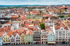 Gebouwen bij het Vierkant van de Republiek Pilsen Plzen, Tsjechische Republiek Stock Afbeelding