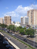Gebouwen in Caura-straat van Puerto Ordaz, Venezuela royalty-vrije stock fotografie