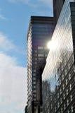 Gebouwen die op het Zonlicht wijzen stock foto