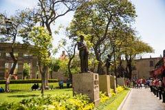 Gebouwen en standbeelden van Bevrijdingsvierkant royalty-vrije stock afbeelding