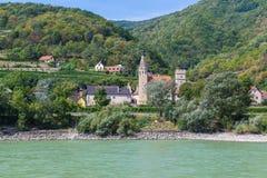Gebouwen langs de Wachau-Vallei, Oostenrijk royalty-vrije stock afbeelding