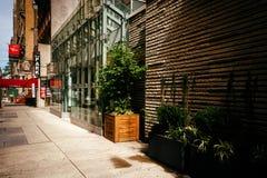 Gebouwen langs 29ste Straat in Manhattan, New York Royalty-vrije Stock Foto's
