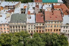 Gebouwen in Marktvierkant, Lviv, de Oekraïne royalty-vrije stock foto's