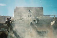 gebouwen onder vernieling rond de oude stad stock foto