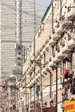 Gebouwen op een dicht gebied van de binnenstad, Shanghai, China Stock Afbeelding