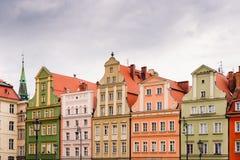 Gebouwen op het middeleeuwse Marktvierkant in Wroclaw, Polen royalty-vrije stock afbeelding