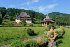 Gebouwen van Barsana-klooster Royalty-vrije Stock Fotografie