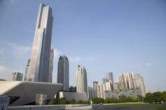 Gebouwen van de groeps de verschillende stijl in de stad Guangzhou Stock Foto's
