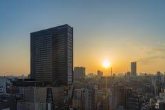 Gebouwen van de de Horizon zijn de hoge stijging van Tokyo in de ochtend in Shinjuku stock foto's