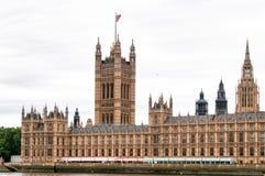 Gebouwen van het Britse Parlement westminste Stock Foto's