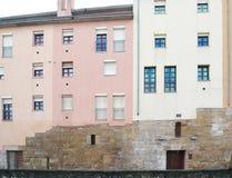 Gebouwen van het historische centrum in een Europese stad stock fotografie