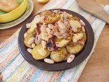Gebraden aardappels met witte bonen royalty-vrije stock fotografie
