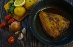 Gebraden bot Huis het koken in een rustieke stijl stock afbeelding