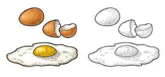 Gebraden ei en gebroken shell De uitstekende illustratie van de kleurengravure Royalty-vrije Stock Afbeeldingen