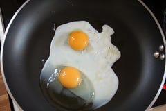 Gebraden eieren Royalty-vrije Stock Afbeeldingen