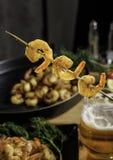 Gebraden garnalen op de grill Stock Foto