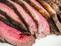 Gebraden gekruid sappig rood vlees Royalty-vrije Stock Fotografie
