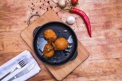 Gebraden gepaneerde kippenfilet Stock Foto's
