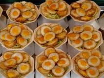 Gebraden gesneden eieren Royalty-vrije Stock Foto's