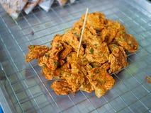Gebraden het deegmengeling ` Thord Mun `, Thais lokaal traditioneel voedsel van de vissenspaanse peper Royalty-vrije Stock Afbeelding