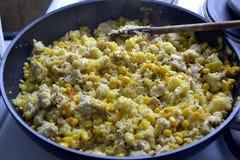 Gebraden kip met groenten Stock Afbeelding