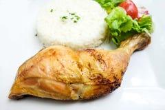 Gebraden kip met rijst stock foto