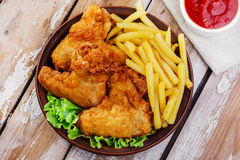 Gebraden kippenvleugels Stock Fotografie