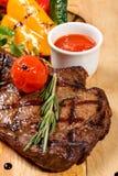 Gebraden lapje vlees met groenten royalty-vrije stock afbeelding