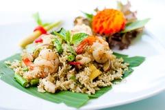 Gebraden rijst die zeevruchten mengt Royalty-vrije Stock Afbeeldingen