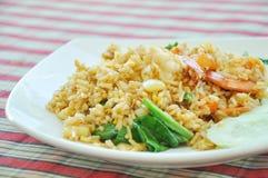 Gebraden rijst met garnalen Royalty-vrije Stock Foto's