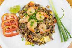 Gebraden rijst met garnalen Stock Afbeelding